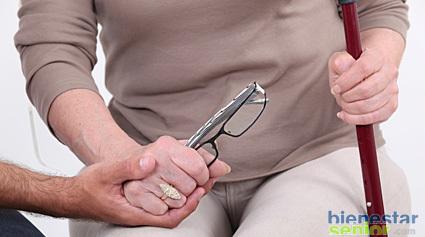 Rehabilitacion De Personas Mayores Tras Una Protesis De Cadera
